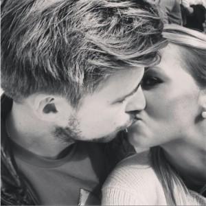 fridajohan kyss